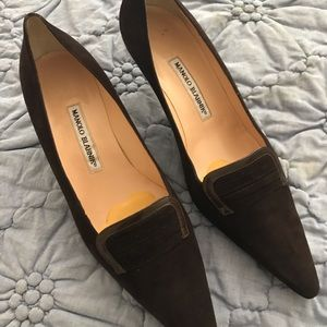 Manolo Blahnik dark brown suede pumps